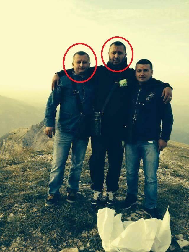 Former police chief Sokol Bode (l) with Moisi Habilaj (c).