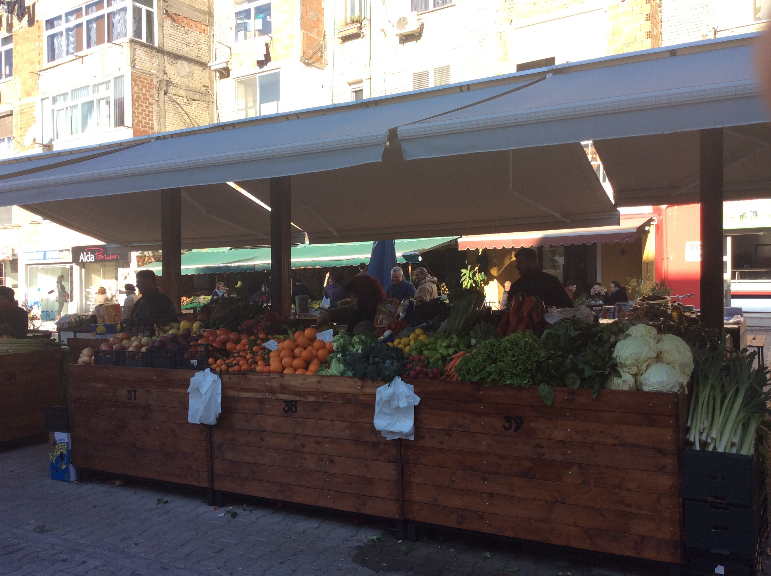My Neighborhood Market – A Case Study in Urban Requalification