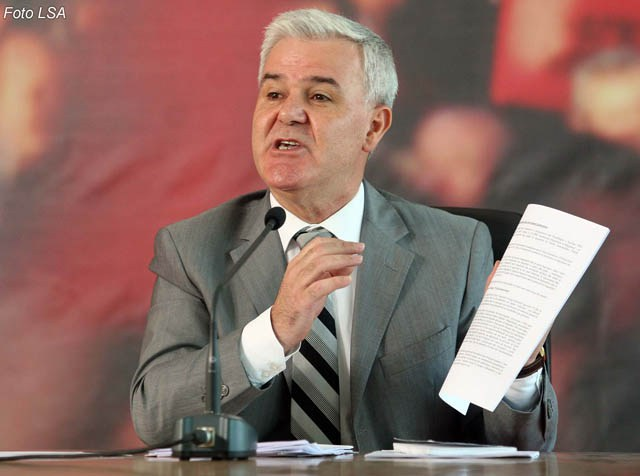 Minister Xhafaj Encourages State Police to Ignore the Law