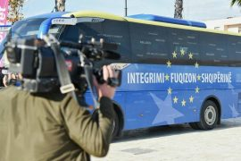EU Organizes Promo Tour for Journalists, But Leaves Out Failures