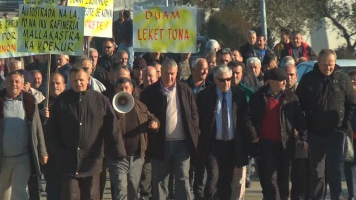Ballsh Refinery Workers Protest Again, Main Investor Has Left
