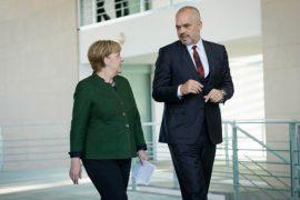 EU Enlargement and Kosovo: European Commission vs. European Council