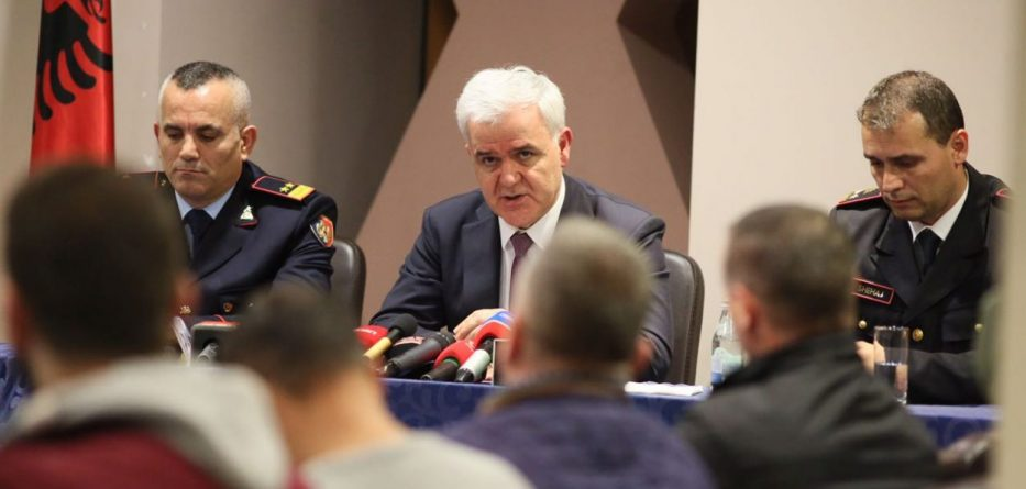 "Xhafaj to Meet German Interior Minister Seehofer, and Propose Albanian ""Migrant Center"""