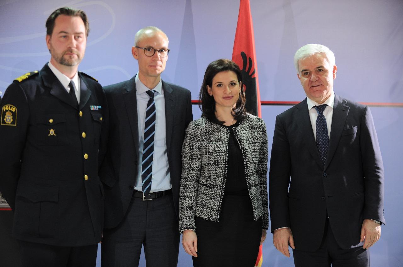 Ministers Xhafaj and Gjonaj Travel to the Netherlands