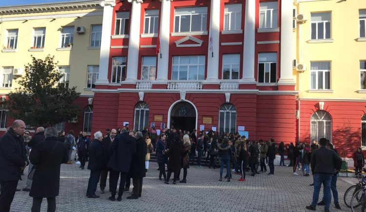 Professors Also Join Occupying Students, Government Violated University Autonomy
