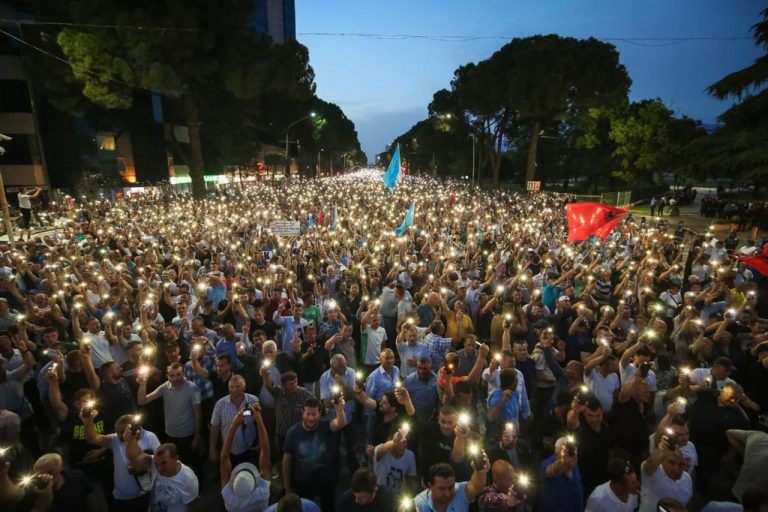 Albanians Protest in Tirana, Demanding Resignation of Prime Minister
