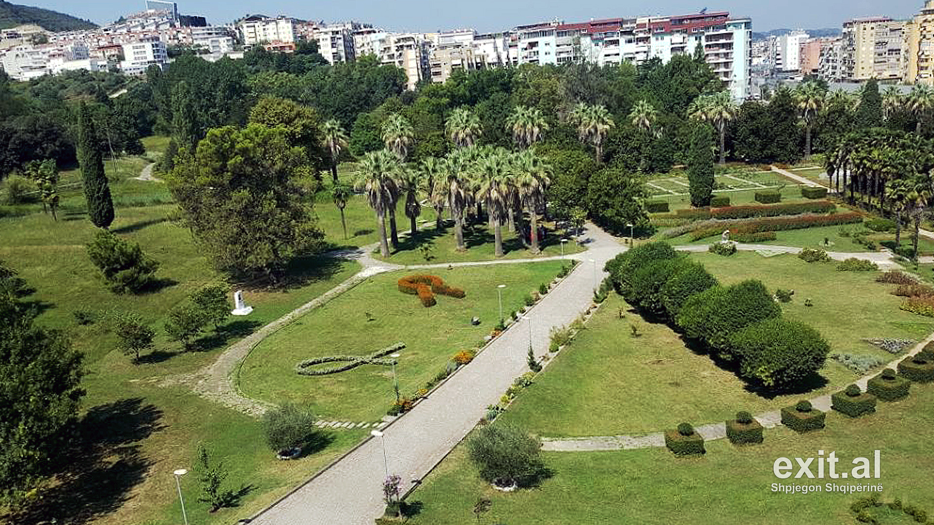 University of Tirana Protests against Ownership Transfer of Botanical Gardens to Municipality