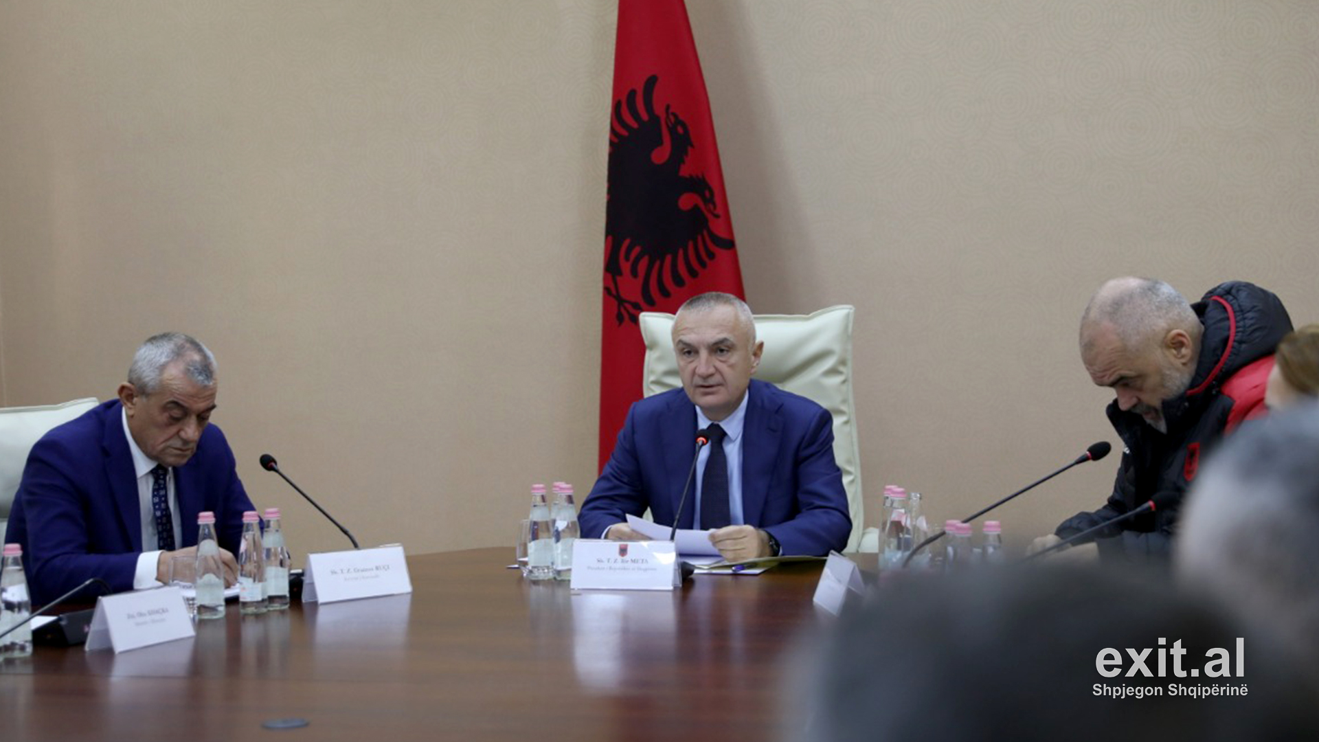 Albanian President Urges Prosecutors to Investigate Collapse of Buildings in Earthquake