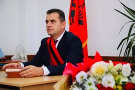 Opposition Accuses Fourth Socialist Mayor of Concealing Criminal Past