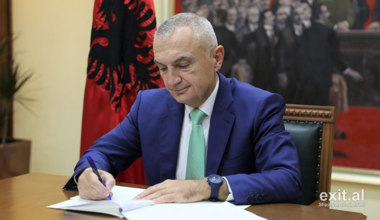President Vetoes Law Dividing Albania into Four Development Regions