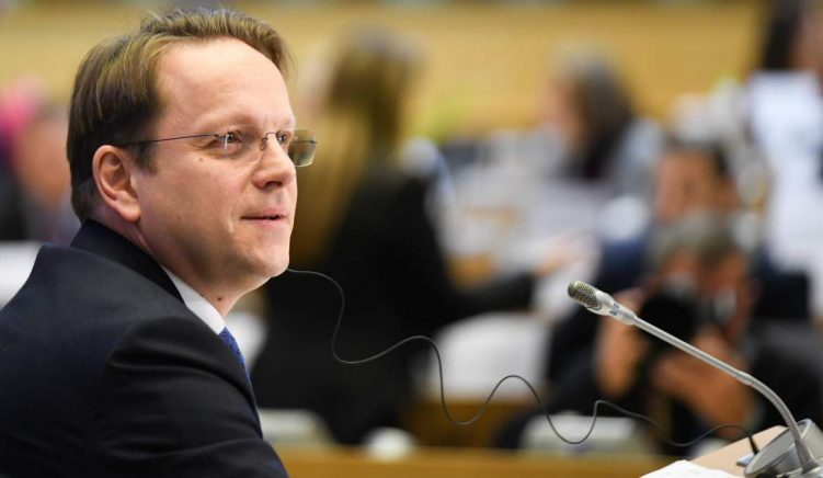 EU Commissioner for Enlargement to Visit Albania and N. Macedonia Next Week