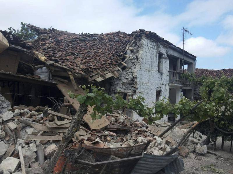 Citizens Protest Over Lack of State Help, Eight Months after Korçë Earthquake