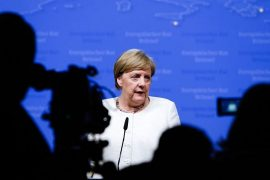 Merkel Congratulates Kosovo's PM for Lifting Tariffs on Serbian Goods, Expects Serbia to Reciprocate