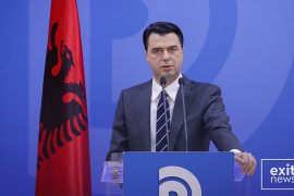 Opposition Leader Accuses Government of Forcing Albanians to Leave the Country