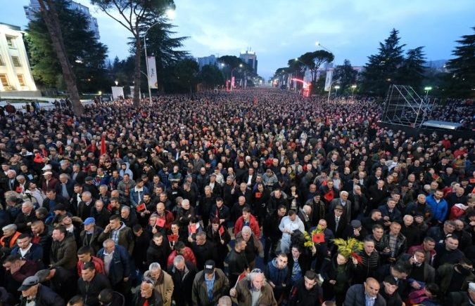 """Thousands Fill Tirana's Boulevard to Protest Against Constitutional """"Coup d'Etat"""""""
