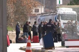 40 Albanian Emigrants Quarantined without Food and Medicine