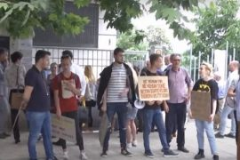Vetëvendosje in Albania Protest against Detention of Activists in National Theater Rally