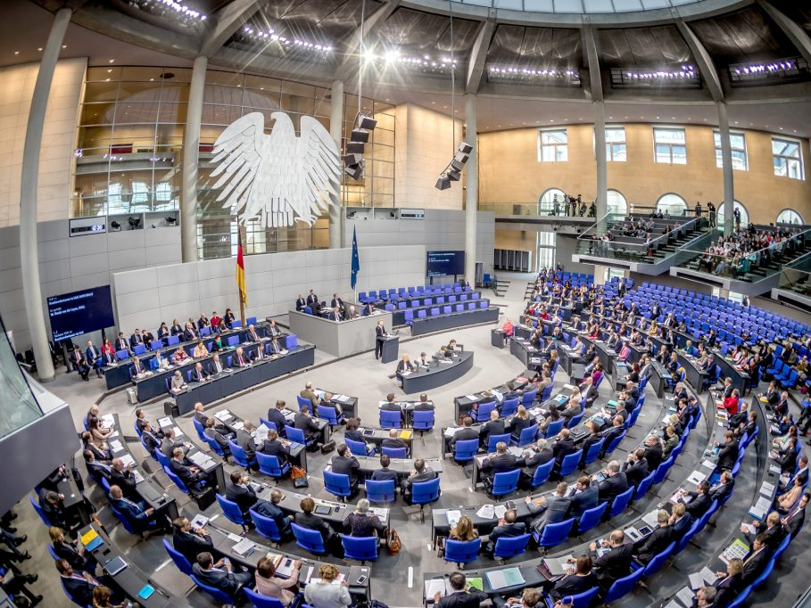 German Parliament Opposes Kosovo-Serbia Land Swap in Session on KFOR Troops