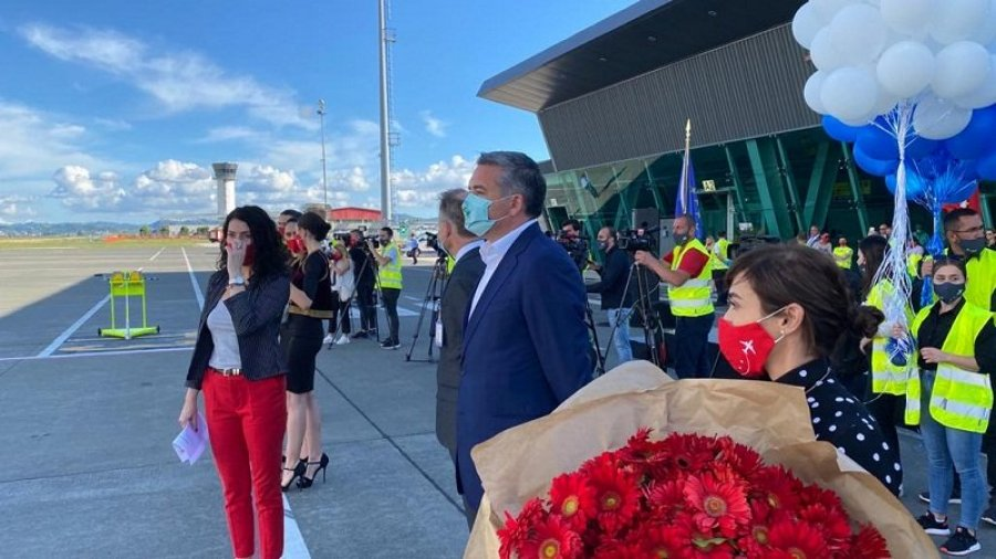 Albania Welcomes First Foreign Tourists
