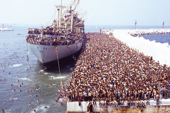 29 Years Since Albanians Stormed Ship in Vlora, Bound for Bari