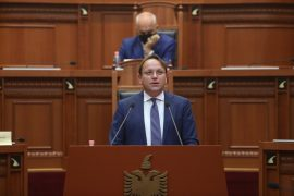 Commissioner Várhelyi Urges Albania to Meet Conditions for EU Talks to Start