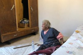 Elderly Woman Abandoned by Family and State Still Living in Unacceptable Conditions