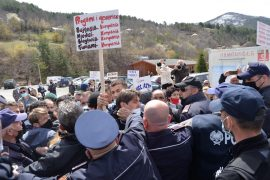 Police Detain 34 Protesters against Construction of HPP