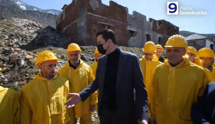 Opposition Leader Promises to Adopt the Miners Protection Law