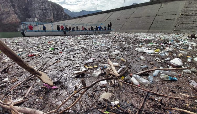 Activists Take Initiative to Clean Litter From Lake Koman