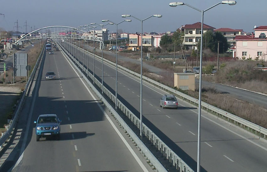 Tirana-Durres Road Undergoes Repair for Two Weeks