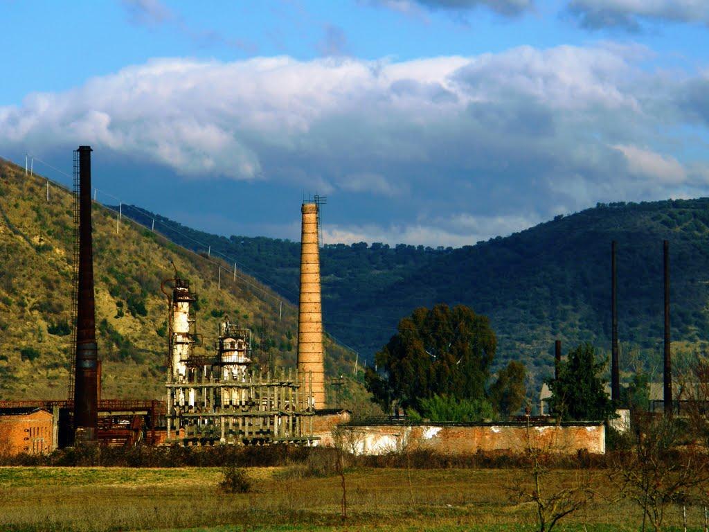Shpjegim: Çfarë dihet për çështjen e rafinerisë së naftës në Cërrik