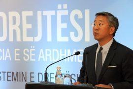 Intervista e ambasadorit amerikan Lu për reformën në drejtësi – Pikat kryesore