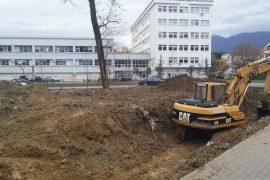 Filloi shkatërrimi i Parkut të Liqenit: nisin punimet për ndërtimin 13 katësh