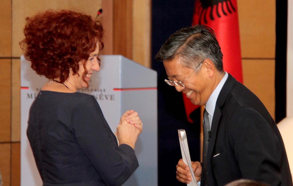 Ambasadori Lu si viagra për intelektualët mediatikë