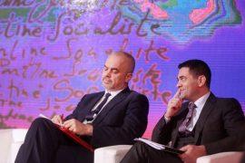 """Ministrit Ahmetaj nuk i """"pëlqejnë"""" bizneset e vogla në qendër të Tiranës – Koment"""