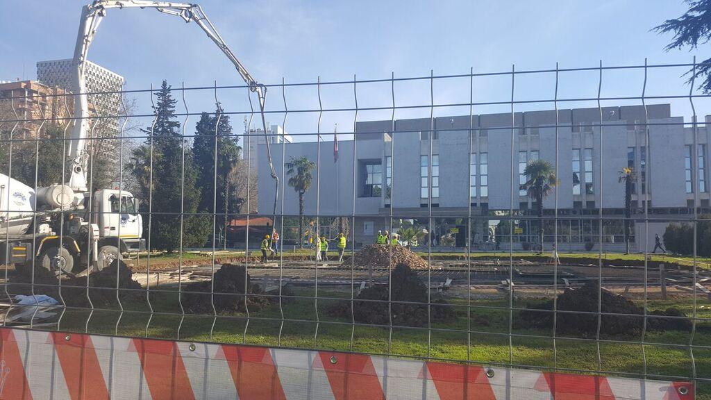 Ligji është vetëm për të tjerët: Kryebashkiaku Veliaj ndërton pa leje ndërtimi