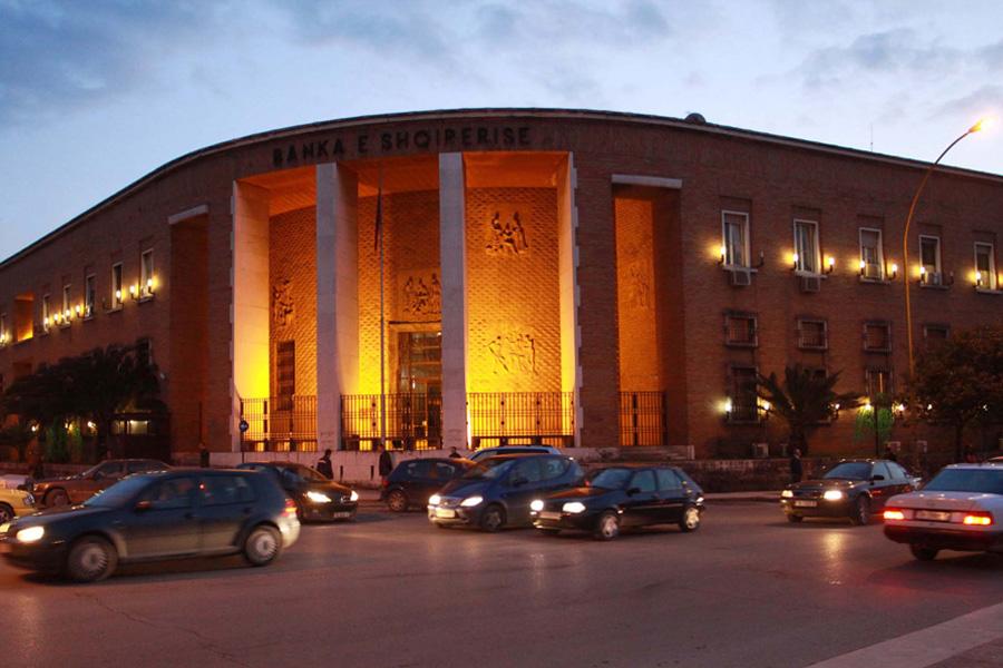 Banka e Shqipërisë nuk e shpëton dot më qeverinë
