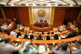 Qytetarët kërkesë Prefektit për të kthyer vendimin për rritjen e çmimit të ujit