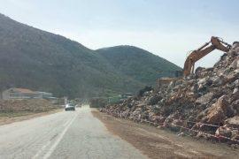 Qeveria po gropos 150 milionë euro në malet e Mokrës për të na mbajtur të izoluar nga Europa