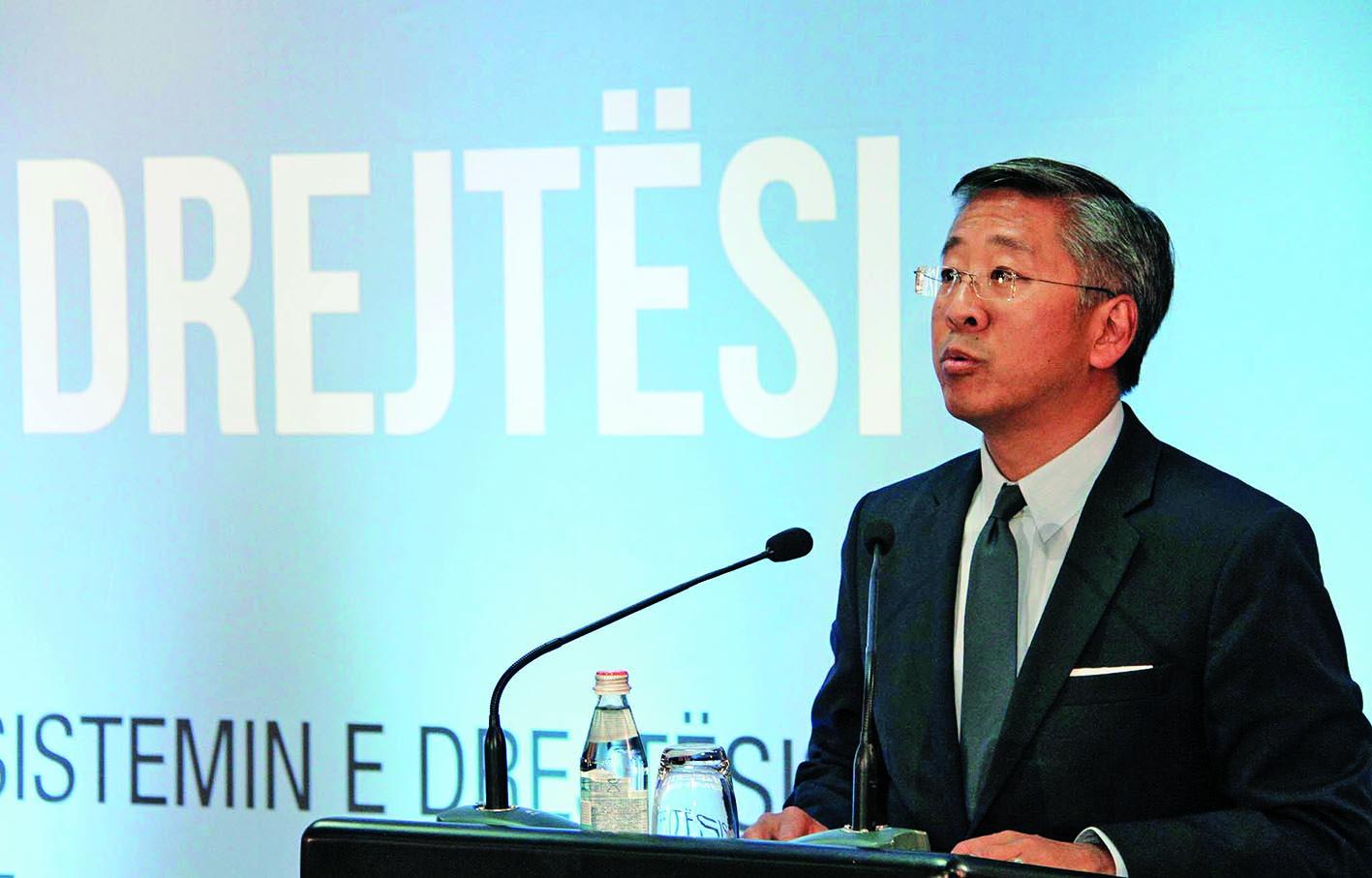Ambasadori Lu: Kryeprokurori Llalla, kundërshtar i reformës në drejtësi