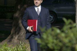 Report Tv  — Gjykata i bllokon pasaportën Saimir Tahirit