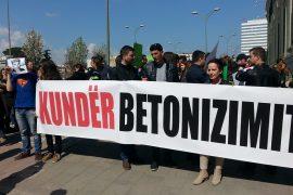 Protestat qytetare përballë propagandës shtetërore