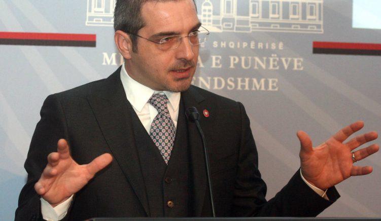 Grabitja e parave, Tahiri: Faji i bankës dhe policisë private