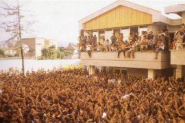Pasqyra e trishtë e braktisjes së Shqipërisë — Korrik 1990 e në vazhdim
