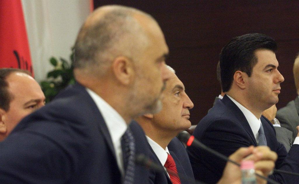 Opozita kërkon qeveri teknike – Pesë gjëra që kuptuam