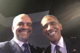 "Fati i ""keq"" i fotove Rama-Obama"