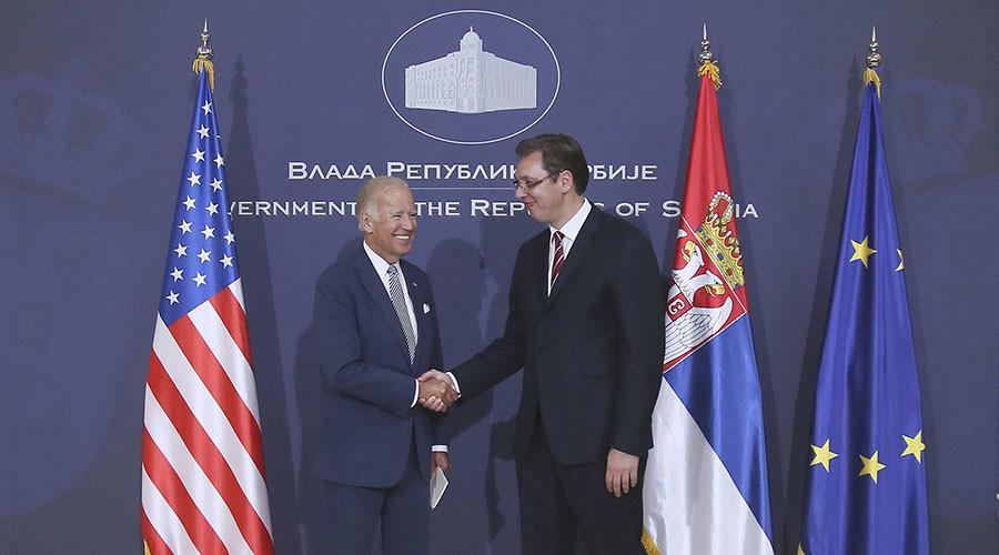 Biden u kërkon ndjesë familjarëve të viktimave të bombardimeve të Serbisë