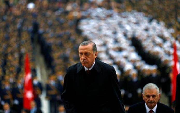 Erdogan kërcënon BE-në: Do lejoj emigrantët e paligjshëm të vijnë në Evropë