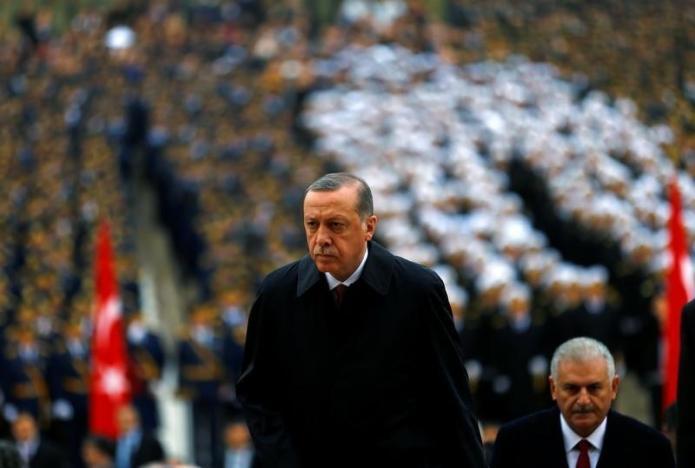 """Turqi, """"masakër"""" ndaj nëpunësve civilë e medias"""