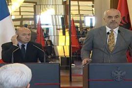 Ministri i Brendshëm francez në Tiranë. A do bjerë viktimë e propagandës si parardhësi i tij?